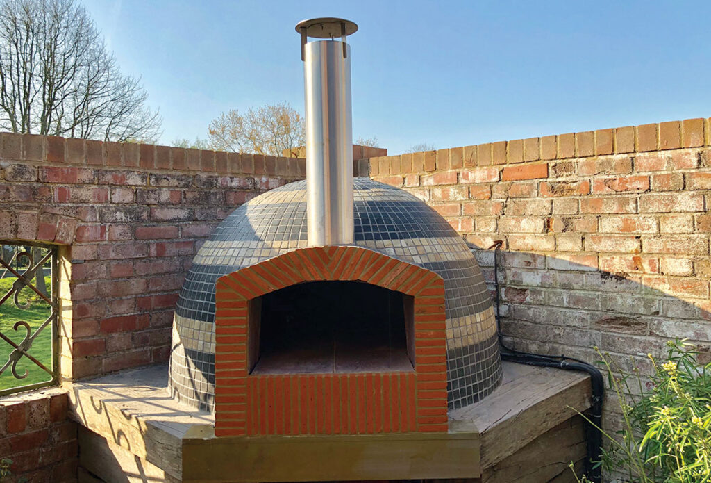The Sheffield Pro Woodfired Oven